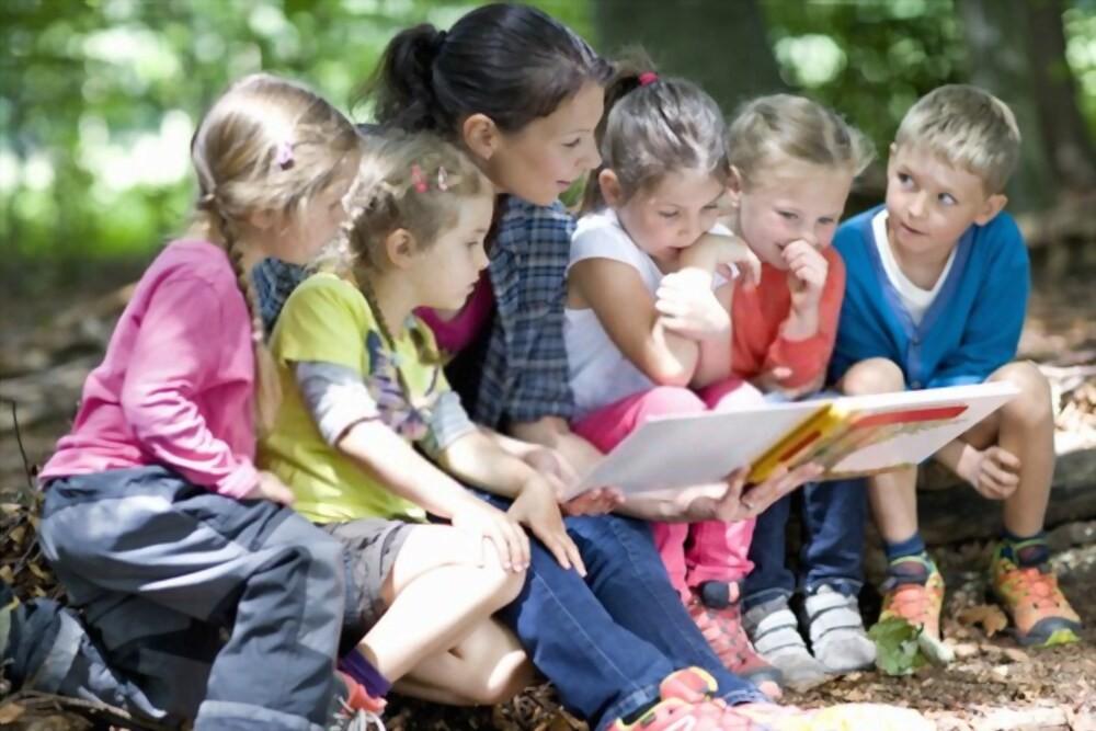 activité de lecture institutrice